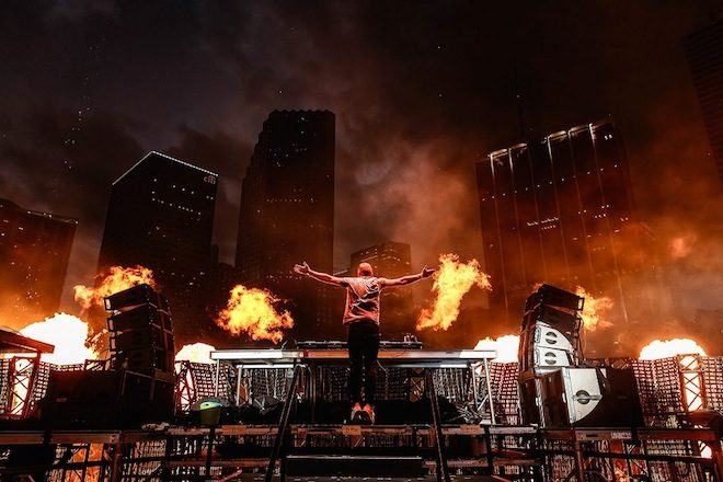 Armin van Buuren lança set do UMF 2017 em plataformas de streaming