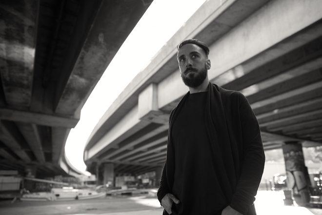 Cristian Varela lança EP SFINX. Ouça aqui!