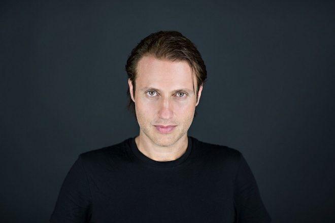 EDX lança remix oficial de 'Don't Leave Me Alone' de David Guetta e Anne-Marie