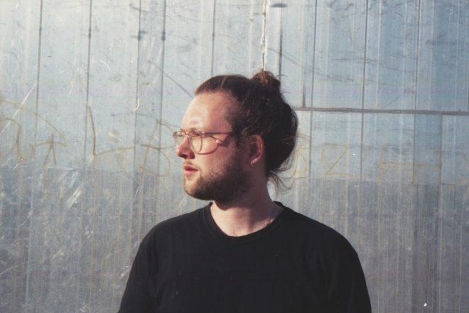 Erik Buschmann lança Debut EP '1v1' pela Reflektor Records. Curta now!