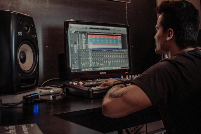 Gabriel Evoke lança EP com muito groove; ouça 'I Knew It'