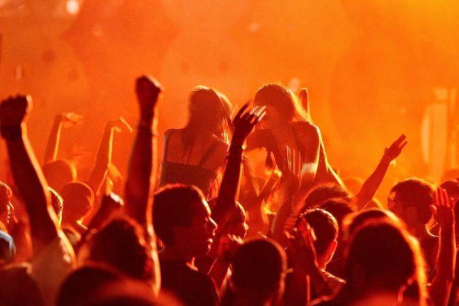 Goa proibe festas de música eletrônica