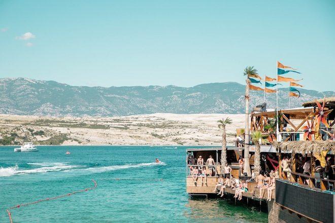 Assista sets de boat parties direto dos mares da Croácia