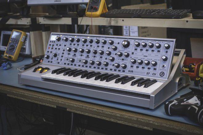 Moog lança novo sintetizador analógico em edição limitada