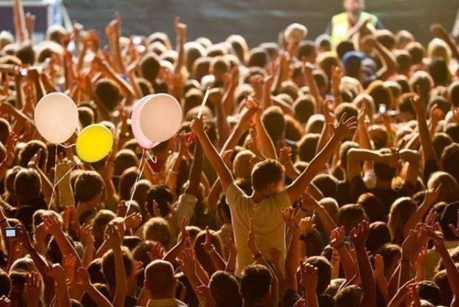 Música é a paixão número um para jovens no Reino Unido