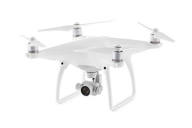 Novo drone Phantom 4 desvia de obstáculos e segue objetos em movimento