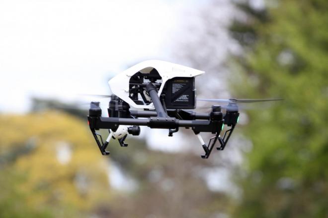 Policia inglesa usa drones para combater raves ilegais