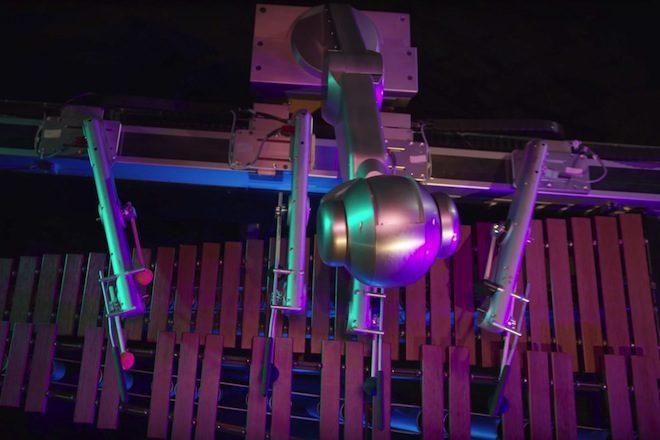 Conheça o robô que usa inteligência artificial para criar a própria música