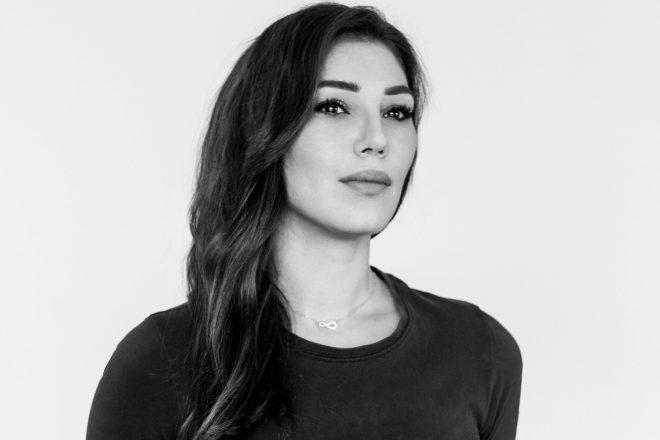 Simina Grigoriu lança novo single 'Bucureşti' pela Kuukou Records
