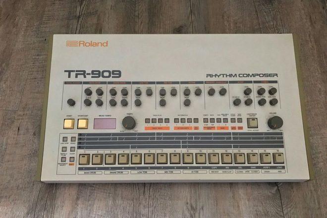 Roland TR-909 de Daft Punk está à venda