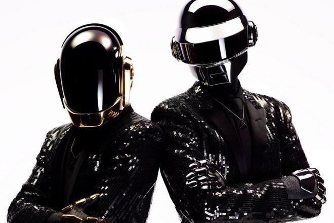 Daft Punk está de volta – assista a performance aqui.