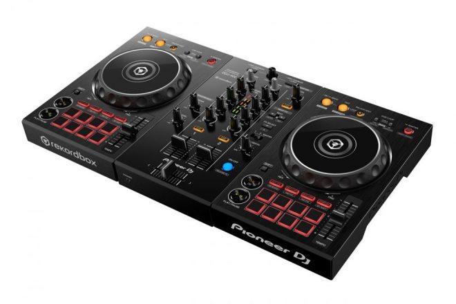 """Novo controlador da Pioneer DJ é """"ideal para DJs de primeira viagem"""""""