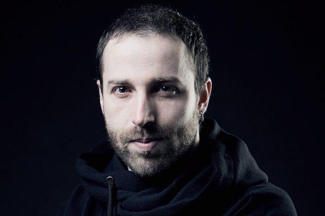 Suspense melódico: deGust reforça suas raízes no techno com novo remix