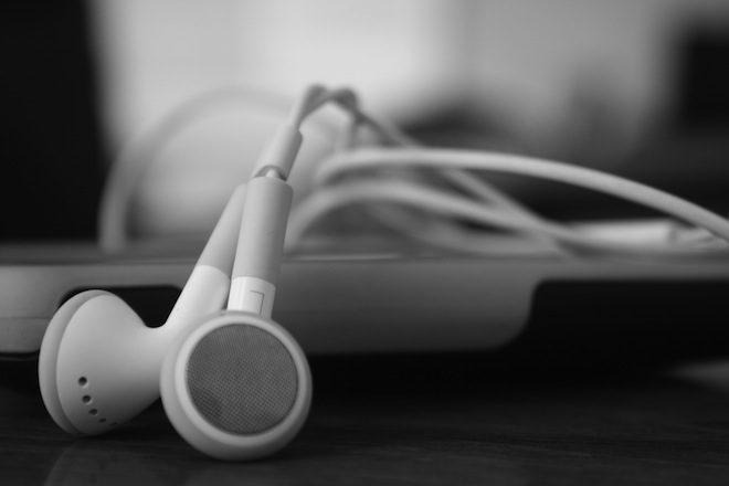 Estudo recomenda playlists personalizadas para pacientes com demência