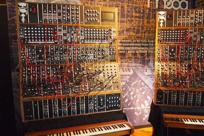 Último sistema modular Emerson Moog em produção vai custar US$150.000