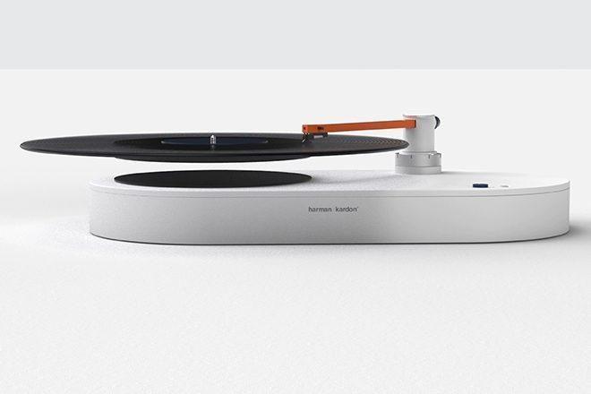 Este toca-discos faz seus discos de vinil flutuarem como mágica. Veja!