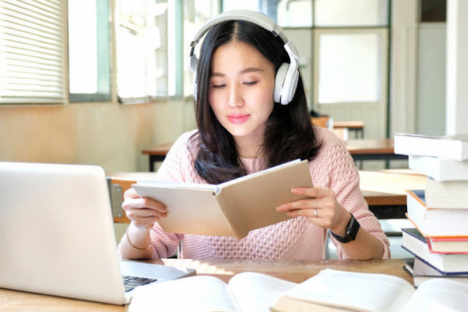 Ouvir música prejudica sua criatividade, diz estudo