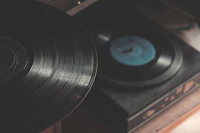 Vendas de vinil nos EUA superam vendas de CDs pela primeira vez em mais de 30 anos