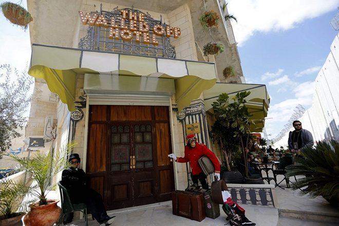 Massive Attack na trilha sonora do novo hotel de Banksy
