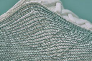 Adidas Lança Tênis Feito De Redes De Pesca Recicladas. Moda inteligente.  Fashion 674664e149