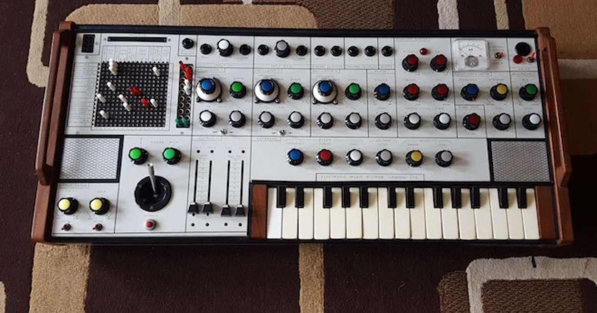 f14b0235ca7 Um dos sintetizadores mais raros do mundo foi descoberto - Tech News -  Mixmag Brasil